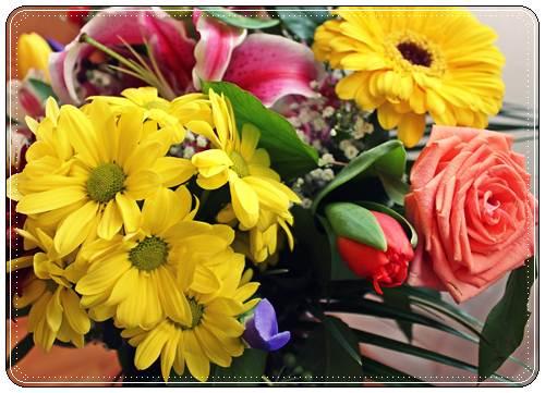 Поздравления с днем 8 марта женщине красивые